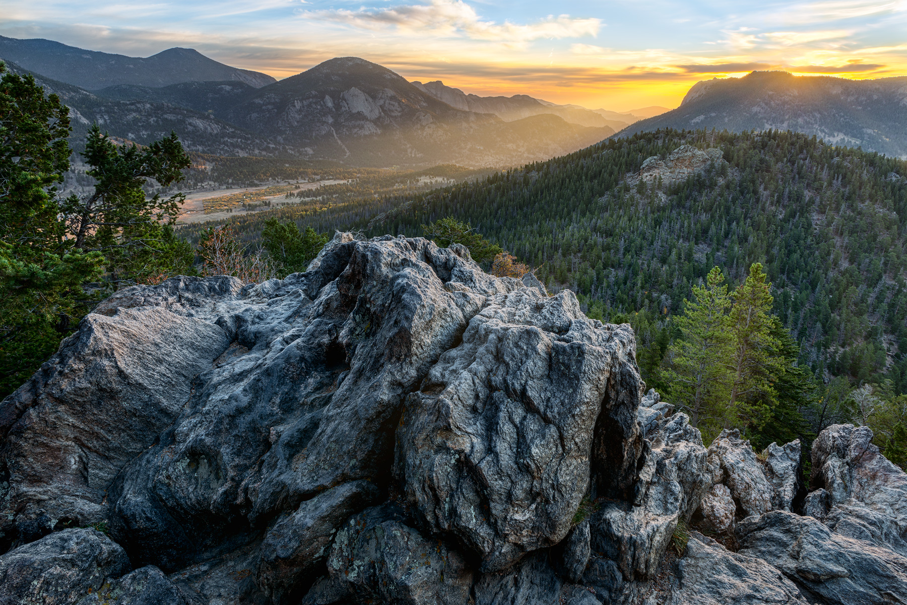 The Day Begins - RMNP_043034