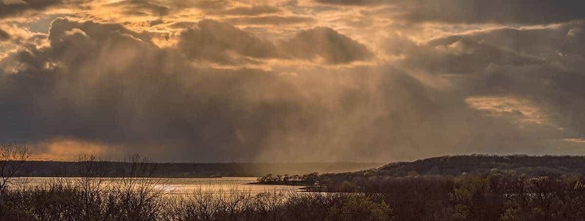 Late afternoon light over Perry Lake, Kansas ©Brad Mangas